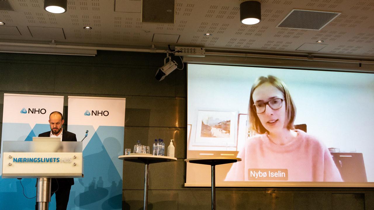 Næringsminister Iselin Nybø streamet på medlemsmøte i NHO .