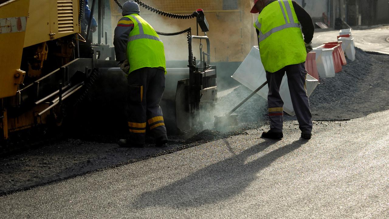 Mer asfaltering bidrar til å holde hjulene i gang for mange bedrifter