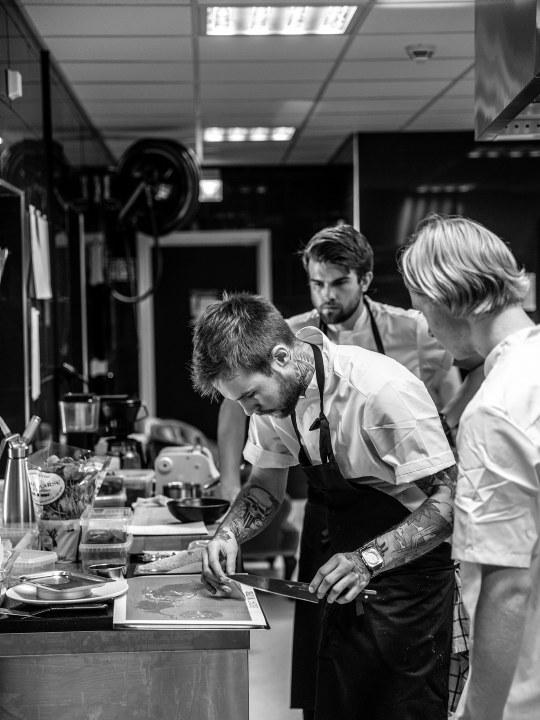 Kokker i aksjon på Restaurant Rest