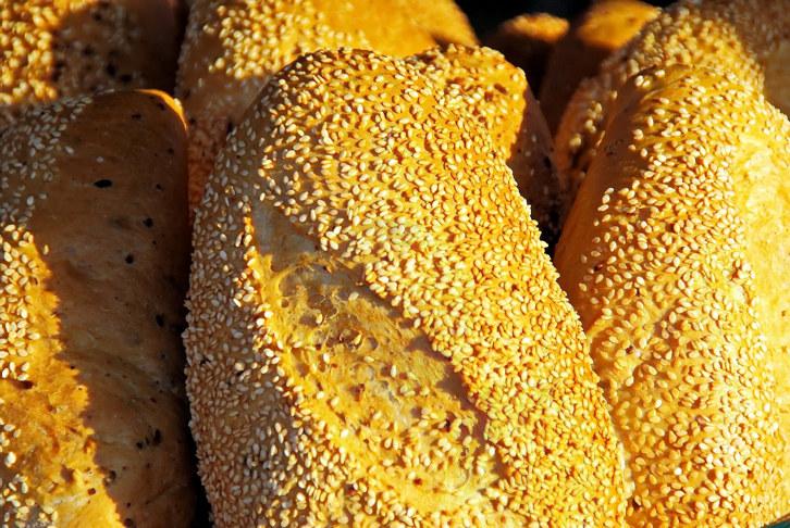bilde av brød med sesamfrø