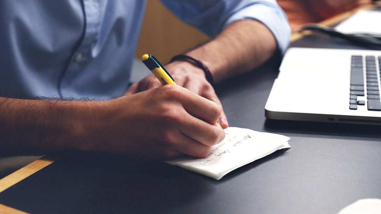 Bedrifter som er registrert på følgende NACE-koder omfattes av den nye kompensasjonsordningen. Foto: Pixabay.
