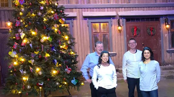 Vi ønsker våre samarbeidspartnere og bedrifter riktig god jul og godt nytt år!