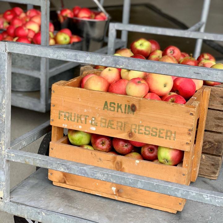 Kasse med epler