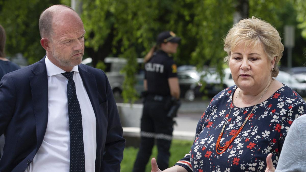 Erna Solberg og Ole Erik Almlid utenfor M27 på medlemsmøte NHO - 02.06.2020